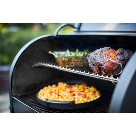 Weber® SmokeFire EX4 GBS Wood Fired Pellet Grill - image 4